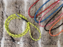 Vildmannens rope dressed wire leash with wrist loop